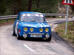 Renault 8 Gordini in action Rally Car, Car Car, Sport Cars, Race Cars, Megane Rs, Renault Sport, Course Automobile, Limousine, Vintage Race Car