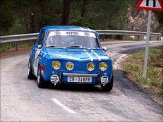 Renault 8 Gordini in action