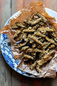 Bastoncini di melanzane (croccanti senza fritto!) Ricetta veloce e vegan! Best Dinner Recipes, Quick Recipes, Diet Recipes, Chicken Recipes, Cooking Recipes, Italy Food, Appetisers, Family Meals, Easy Meals