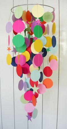 Buntes Mobile für das Kinderzimmer aus Papier / colorful mobile made of paper, perfect nursery decoration made by doordoorgemaakt via DaWanda.com