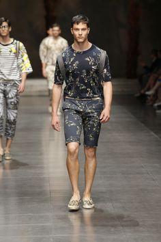 Dolce&Gabbana Summer 2016 Men's Fashion Show.  www.dolcegabbana.com
