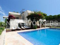 Modern Villa in San José, close to the #beach in Ibiza! ¡Villa moderna en San José cerca de la #playa en Ibiza! Moderne #Villa in Strandnähe in San José, auf #Ibiza #Realestate #inmobiliaria #immobilien