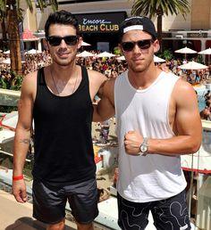 Joe Jonas Celebrates Birthday in Las Vegas With Nick Jonas and Olivia Culpo?See the Party Pics!
