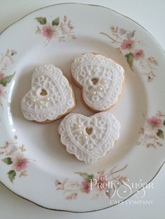 Lace heart cookies wedding favours