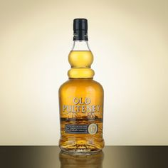 Old Pulteney 17 -  Nose: Sweet, vanilla, hints of fruit, apples, oak. Palate: Medium to full bodied, slightly oily, barley notes, vanilla and spices. Finish: Long and dry, touch of mint, with a pleasant sweetness.