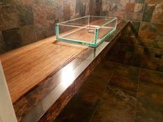 l'eleganza del legno anche in bagno senza paura!  Con la resina trasparente di azimut resine elementi di arredo unici! Contattateci per saperne di più