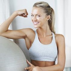 5 Ways to Tone Your Arms Without Weights Wall push-ups, floor dips, half circle arm rotations, weight-free rows, x jumps Yoga Fitness, Fitness Tips, Fitness Motivation, Health Fitness, Health Diet, Toned Arms, Boost Your Metabolism, Workout For Beginners, Get In Shape