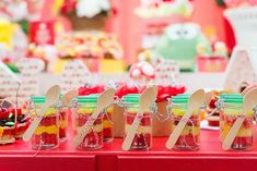 Bolo no copinho da festa com tema de picnic | Festa infantil