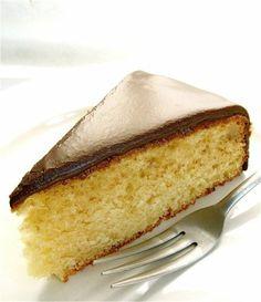 Martha Stewart yellow cake recipe from scratch.  3 eggs, 1/2 cp. butter, 1 1/2 cp sugar 1 Tbls. baking powder,1 cp. milk. See recipe.
