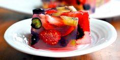 Aprenda aqui como preparar gelatina de ágar-ágar vegana e natural, ideal para uma sobremesa leve e saudável!
