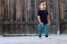 Baby Boy Baby Girl Teal und schwarz gestreift Harem von MEandREEKIE