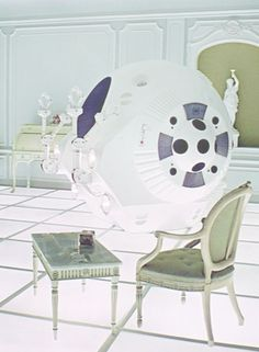A Space Odyssey, Stanley Kubrick. We give you the REAL hero of the story, Pod I can't remember if this was one was called Huey, Dewey, or Chewie. Stanley Kubrick, Science Fiction, 2001 A Space Odyssey, Spaceship Interior, Sci Fi Movies, Iconic Movies, Retro Futurism, Film Stills, Great Movies