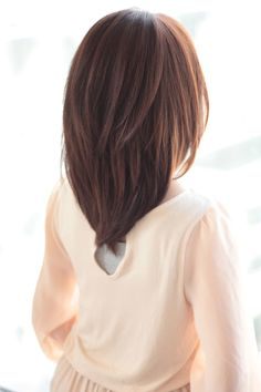 114 Top Shoulder Length Hair Ideas to Try (Updated for - Style My Hairs Haircuts For Medium Hair, Haircut For Thick Hair, Medium Hair Cuts, Medium Hair Styles, Curly Hair Styles, V Cut Hair, Hair Color And Cut, Medium Length Hair With Layers, Short Thin Hair