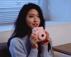I'll ask again: Is Seolhyun the hottest female in Kpop at the moment? Kpop Girl Groups, Kpop Girls, Kim Seol Hyun, Choi Siwon, Yoseob, Myungsoo, Smile Everyday, Asian Celebrities, Seolhyun