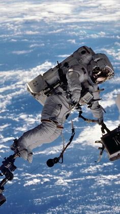 image of the day nasa Nasa Space Pictures, Space Images, Mars Mission, Cosmos, Space Shuttles, Outer Space Wallpaper, Uranus, Nasa Space Program, Space Facts