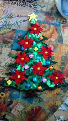 Risultati immagini per hama christmas simple patterns Perler Bead Designs, Hama Beads Design, Perler Bead Art, Owl Perler, Pokemon Perler Beads, Melty Bead Patterns, Pearler Bead Patterns, Perler Patterns, Beading Patterns