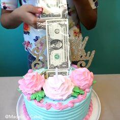 pinata cake videos * pinata cake _ pinata cake how to make a _ pinata cake birthdays _ pinata cake mexican _ pinata cake videos _ pinata cake smash _ pinata cake recipe _ pinata cake gender reveal Money Birthday Cake, Dad Birthday Cakes, Money Cake, Cake Decorating Videos, Cake Decorating Techniques, Cake Cookies, Cupcake Cakes, Pinata Cake, Surprise Cake