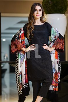 Bold and magnificent black colored three piece unstitched lawn dress by Nishat Linen embroidered collection 2019 Source by qfarooq clothes indian Black Pakistani Dress, Simple Pakistani Dresses, Pakistani Fashion Casual, Pakistani Dress Design, Pakistani Outfits, Simple Dresses, Indian Fashion, Casual Dresses, Dresses For Eid