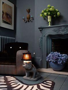 Dark Moody Interiors by Abigail Ahern - Interior Designer Decor, Dark Interiors, Interior Design, Decor Inspiration, Cool Furniture, Home, Black Living Room, Black Walls, Home Decor