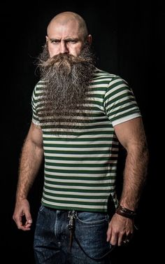 mens hairstyles long in back short in front Bald Head With Beard, Bald Men With Beards, Grey Beards, Long Beards, Long Beard Styles, Hair And Beard Styles, Long Hair Styles, Moustaches, Scruffy Men