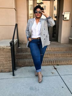 THE BLOGGER BLAZER — Life By Rhonda Blazer Outfits Casual, White Shirt Outfits, Blazer Outfits For Women, Curvy Girl Outfits, Preppy Outfits, Fashion Outfits, Fashion Women, Men's Fashion, Plus Size Shirts