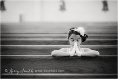 kerry b smith photography Richmond and Williamsburg, Virginia Children and Family Photographer: Arianna's First Communion {Midlothian Photographer} First Communion Banner, First Communion Decorations, First Holy Communion, First Communion Gifts, Baptism Photos, Holy Communion Dresses, Williamsburg Virginia, Girl Poses, Kirchen