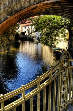 Prague....not that I want to live on the bridge (or under) but that manor over there is what I've got my eyes on.