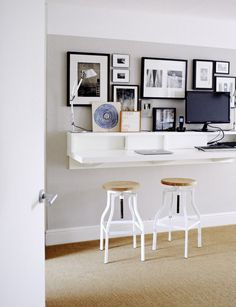 Laptop touchdown station, Photo by Kristin Perers | Remodelista