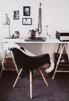 parisian-home-tour_010 | home office interior design, offices, work space, decoration home, design interiors, black white, anna malmberg, desk, office workspace