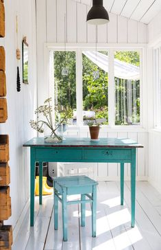 That summer house mooood Swedish Cottage, Modern Cottage, Furniture Update, Interior Decorating, Interior Design, Old House Dreams, House In The Woods, My Dream Home, Home And Living