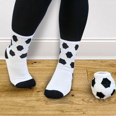 Découvrez ces chaussettes football, qui raviront tous les fans et joueurs du célèbre ballon rond, qui pourront ainsi mettre en évidence leur passion pour ce sport, et même jouer avec ! #foot #euro #euro2016 #soccer #chaussette #socks