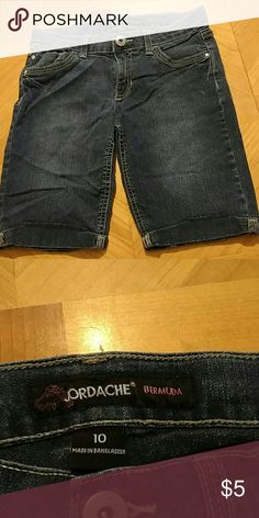 Jordache shorts Jordache Bermuda shorts. Girls size 10. these are cool they have little sparkle to them. Excellent condition. Smoke free home. Jordache Bottoms Shorts