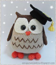 owl gradua 231 227 o and amigurumi on Owl Crochet Patterns, Crochet Birds, Owl Patterns, Amigurumi Patterns, Amigurumi Doll, Crochet Animals, Knit Crochet, Knitted Owl, Handmade Toys