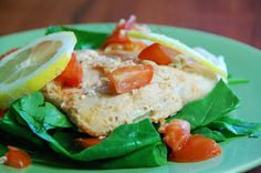 Baked salmon with lemon and spinach