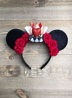 Disney Ears Queen of Hearts Minnie Mouse Ears Disney Diy, Diy Disney Ears, Disney Minnie Mouse Ears, Disney Crafts, Disney Bows, Disney Ideas, Disney Outfits, Disney Magic, Disney Ears Headband