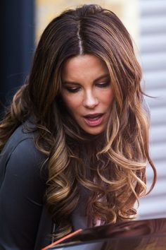 kate beckinsale hair color 2014 | Kate Beckinsale's drool-worthy curls