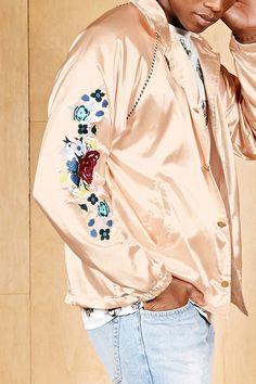 c6821227b604 36 รูปภาพที่ยอดเยี่ยมที่สุดในบอร์ด Mens Satin Shirt