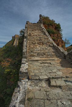 Tips for Visiting beijing to great wall of china on this favorite site Beautiful World, Beautiful Places, China Facts, All About China, China Map, Great Wall Of China, Fortification, Places Of Interest, Asia Travel