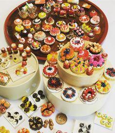 作り始めるとついつい。 私の担当はここまで。 冬休み終了。 #ミニチュア #ミニチュアフード #手作り #sweets #miniature #handmade #スイーツ #cake #樹脂粘土#clay#フェイクスイーツ