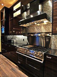 40 Inspiring Modern Luxury Kitchen Design Ideas - Modern Home Design Stainless Backsplash, Kitchen Backsplash, Kitchen Stove, Kitchen Cabinets, Island Kitchen, Backsplash Ideas, Rustic Backsplash, Stove Oven, Oven Vent