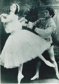 kameliendame: Anna Pavlova and Nicolai Legat in Les Sylphides ph. scanned from Era of the Russian Ballet by Natalia Roslavleva