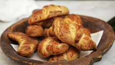 Foto: Fra TV-serien «Sommermat i Falkenberg Easy Snacks, Croissant, Pretzel Bites, Bread, Foods, Inspiration, Tarte Tatin, Food Food, Biblical Inspiration