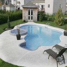 Piscine creusée Gemini d'une forme circulaire avec de jolies courbes d'une grande finesse disponible en plusieurs formats. | Gemini inground pool with pretty curves is available in different formats