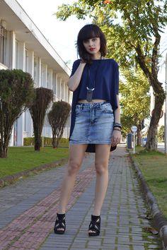 Look com saia jeans justa blog Ela Inspira - http://www.elainspira.com.br/look-shades-of-blue/
