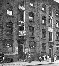 A Victorian street scene london. Victorian Street, Victorian Life, Victorian London, Vintage London, Old London, London City, London Architecture, Victorian Architecture, Birmingham City Centre