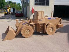 Komatsu WA500 made of cardboard by Ideacarton