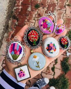 🍀🌸💕🌺🎈🥀🌻💐🌷 Hand Embroidery Videos, Hand Embroidery Art, Embroidery Sampler, Flower Embroidery Designs, Creative Embroidery, Embroidery Jewelry, Ribbon Embroidery, Cross Stitch Embroidery, Embroidery Patterns