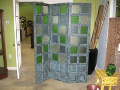 Green glass room divider Nadeau - Store in Miami