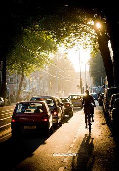 Autumn light - Ceintuurbaan, Amsterdam | by lambertwm (flickr)