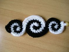 crochet bracelet 16 by ~aquachild on deviantART-this is so cool!
